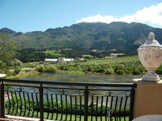 L'Ermitage Franschhoek Chateau & Villas: Balcony of the Chateau