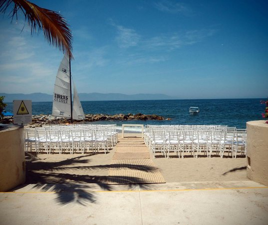 The Westin Resort & Spa, Puerto Vallarta: View of the ocean from the pool area