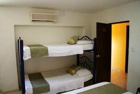Hotel Tayromar: Habitacion Cuádruple.