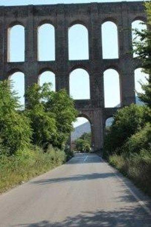 Ponti della Valle - Acquedotto Carolino: vista panoramica