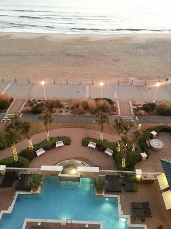 Ocean Beach Club: beachfront