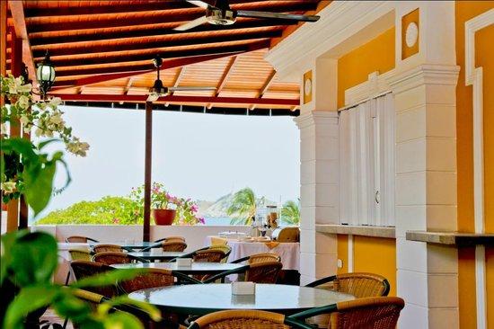 Hotel Tayromar: Restaurante.