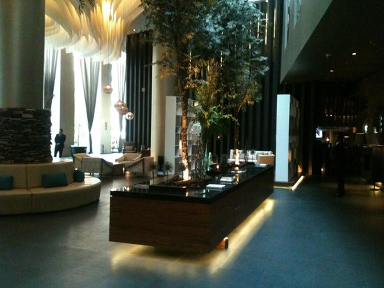 Live Aqua Urban Resort Mexico : Gorgeous lobby