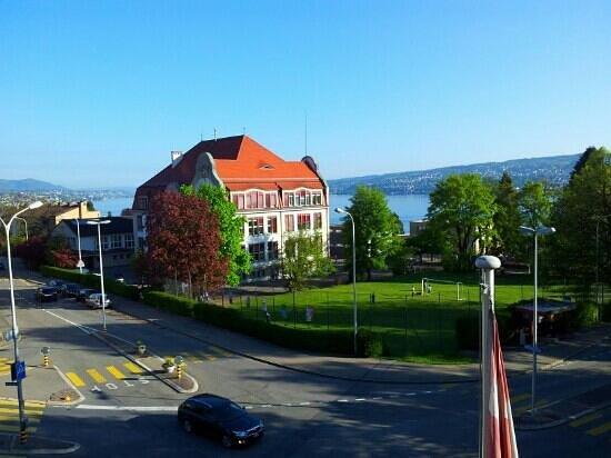 Hotel Glaernisch Hof Horgen: Vistas desde la habitacion.