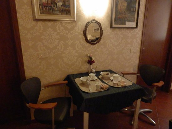 Santa Bibiana : наш отдельный столик для романтического завтрака