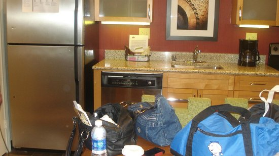 Residence Inn by Marriott Atlanta Buckhead: Kitchen