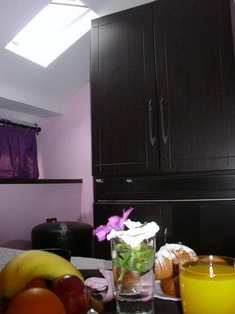 Jolly Hotel: Nice Breakfast in the room
