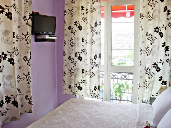 Jolly Hotel: King Size Bedroom with Balcony