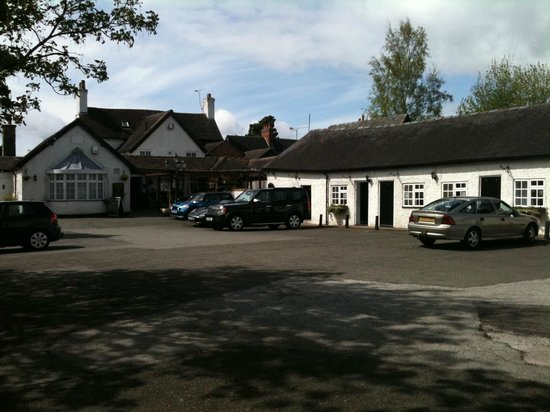 The Swan Inn : car park