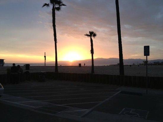 Hotel Erwin: zonsondergang Venice Beach
