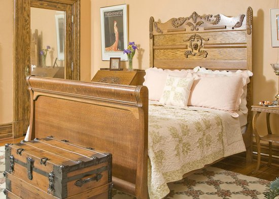 The Carriage House Inn Bed and Breakfast : Steven Watts Room