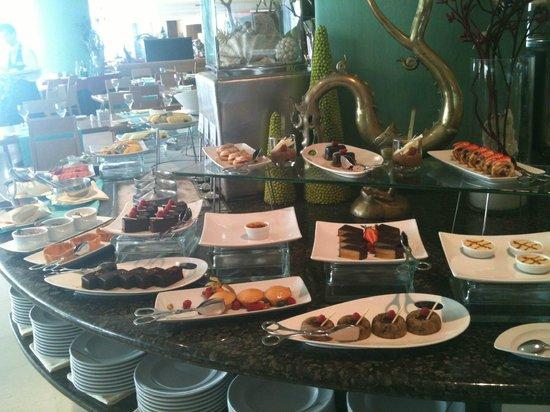 Hotel Cascais Miragem : Buffet à midi