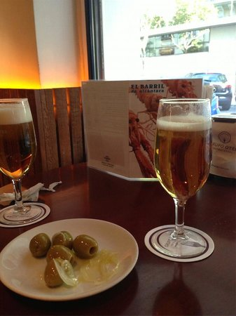 El Barril de Alcantara: cervezas con cinco aceitunas