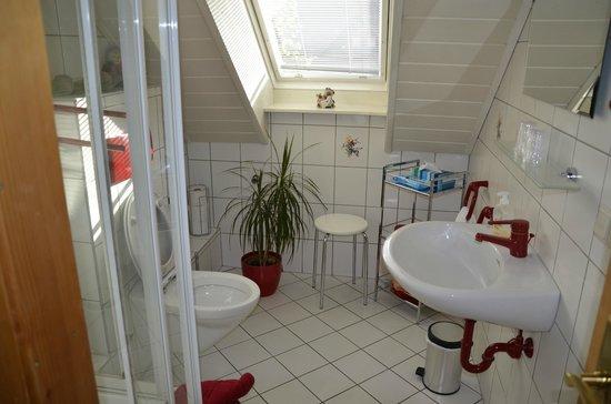 Gästehaus Hauser: Ferienwohnung Bathroom