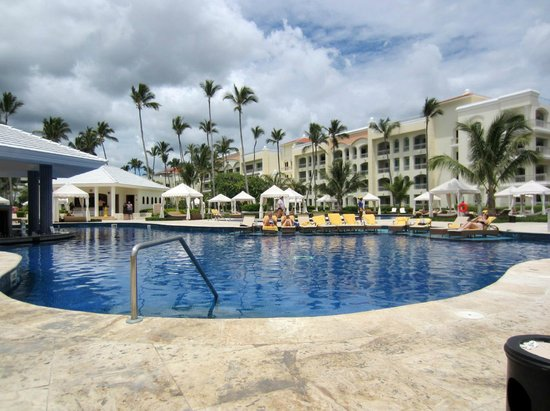 Iberostar Grand Hotel Bavaro: Pool Bar from Chairs