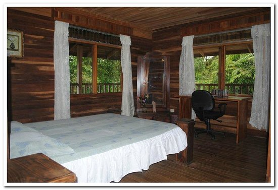 Tico Rainforest  B & B: Room 1