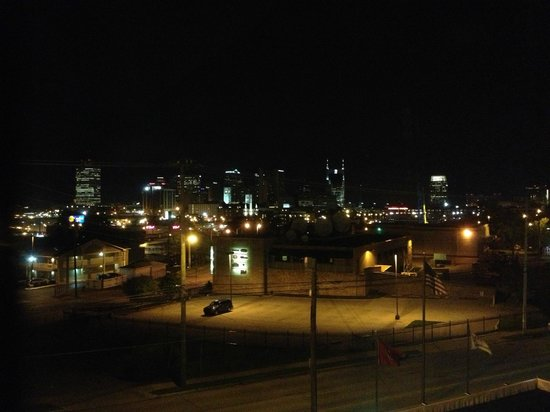 BEST WESTERN PLUS Music Row : View from Room, Night
