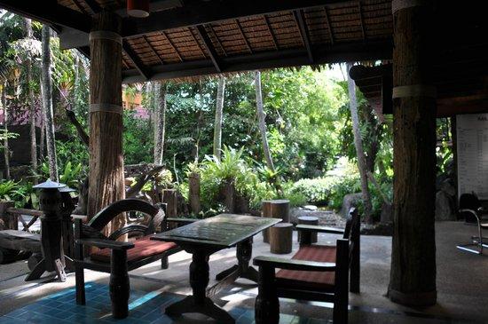 Somkiet Buri Resort: Dining
