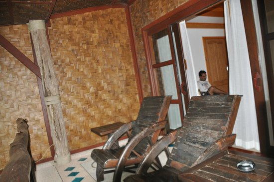 Somkiet Buri Resort: Balcony with Room