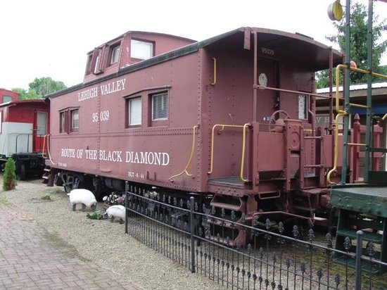 Catawissa Lodge Caboose: Lehigh Valley Caboose