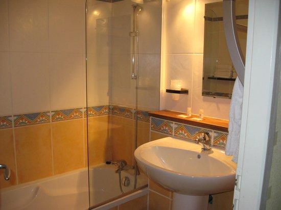 Appart-Hotel Perle de Re : salle de bains