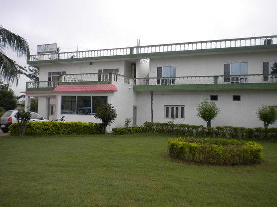 Hotel Green House: Garden view