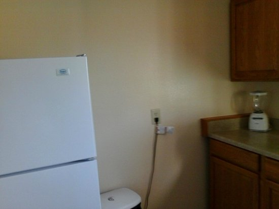 Comfort Suites: 2-Queen Suite with Full Kitchen (Note Blender!)