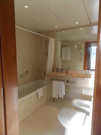 Hotel Travel Park : salle de bain