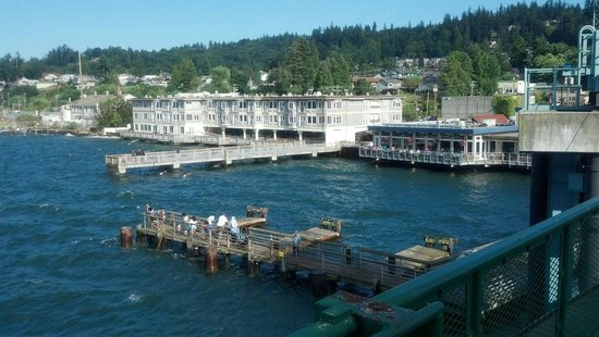 Silver Cloud Inn Mukilteo – Waterfront: Hotel as seen from the ferry