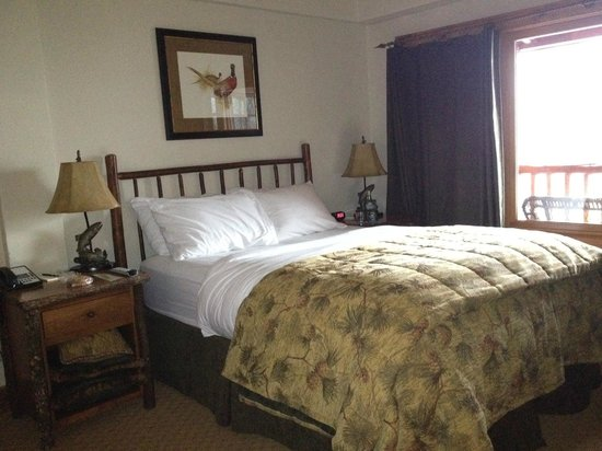 The Whiteface Lodge: upstairs bedroom