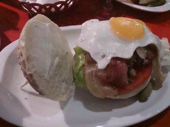Alvarito's Bar: ham