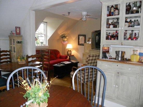Fife & Drum Inn: Common Room