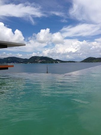 Kalima Resort & Spa: beautiful infinity pool with a view