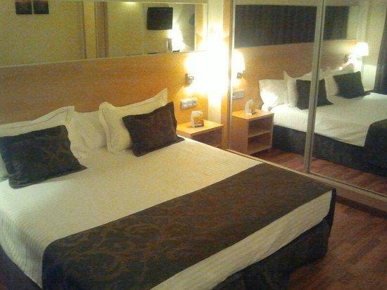 Hotel Desitges: Habitacion