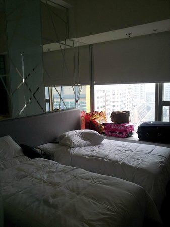 a twin room, not a bad size in Hong Kong