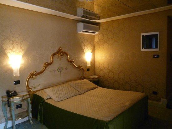 Hotel Belle Epoque: Chambre