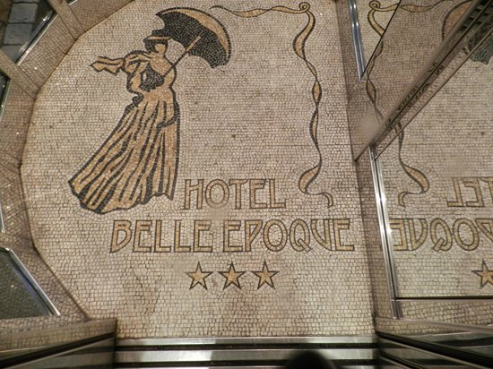 Hotel Belle Epoque: Ascenseur