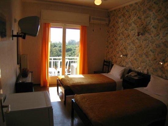 Hotel Fadira : trees  view