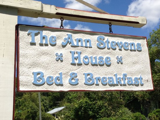 The Ann Stevens House : Road Sign Assistance*