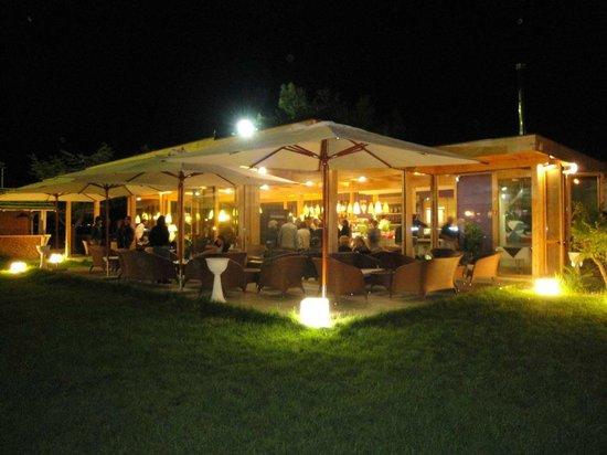 San Giorgio Jonico, Italie : lo scenario notturno....