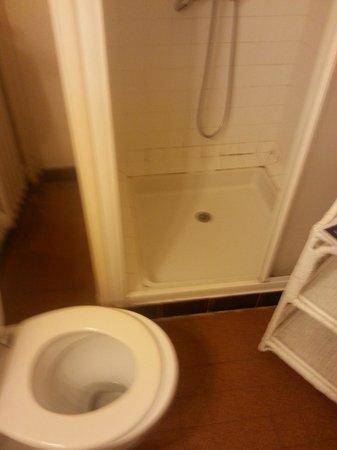 Hotel de France : sanitaires