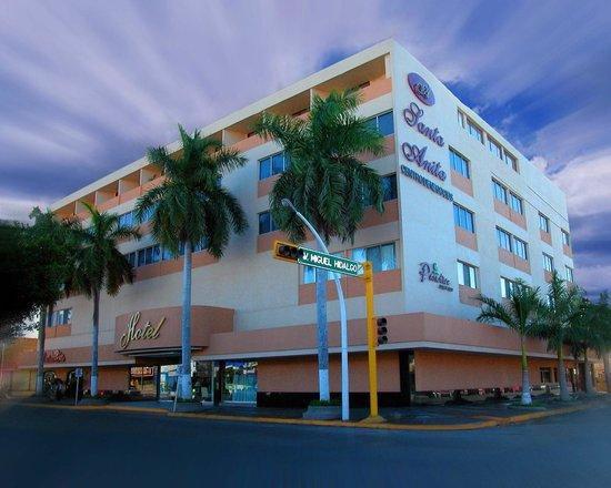 Frente de Hotel Santa Anita
