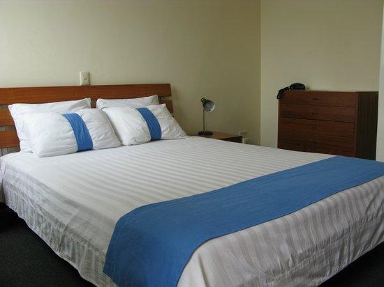 Apartotel  La Perla : Habitación Doble / Double Bed