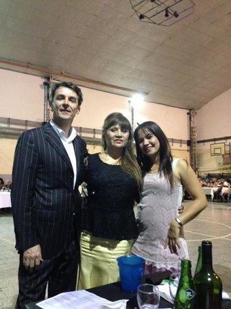 La Perla: VALENTYN, ADA & ALE DE MILONGA EN BAIRES
