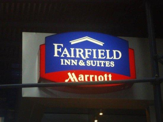 Fairfield Inn & Suites New York Manhattan/Fifth Avenue: Entrance