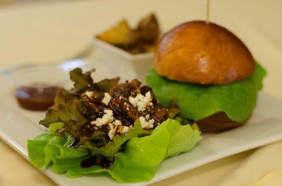 Hawaiian Vanilla Company: This lunch was so good, we cried a little bit! :)