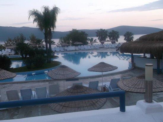 Bodrum Holiday Resort & Spa: Main Pool