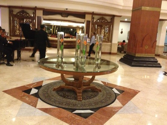 The Sunan Hotel Solo : Lobby