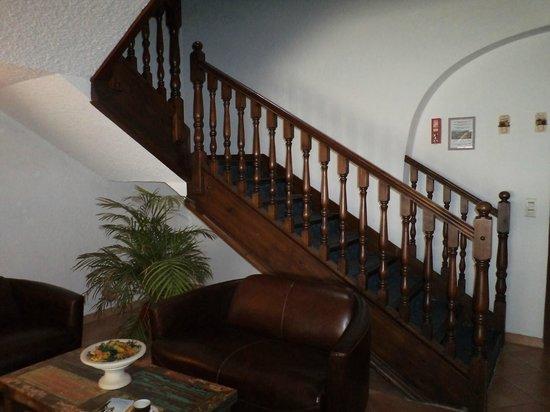 Hotel Porte de Camargue: Entrance hall