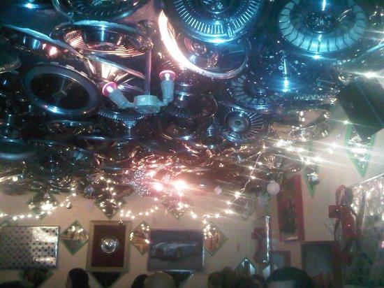 Chuy's Restaurant: Interesting ceiling